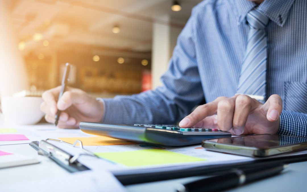 Invoice Discounting: Advantages and Disadvantages